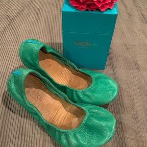 Tieks Clover Green size 7